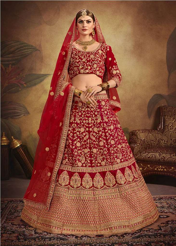Become The Most Attractive And Elegant Bride With Heavy Designer Lehenga Choli