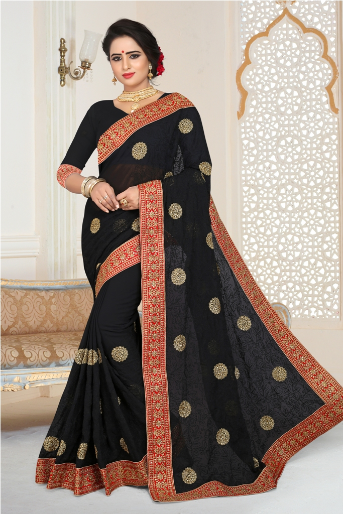Grab This Beautiful Heavy Designer Saree