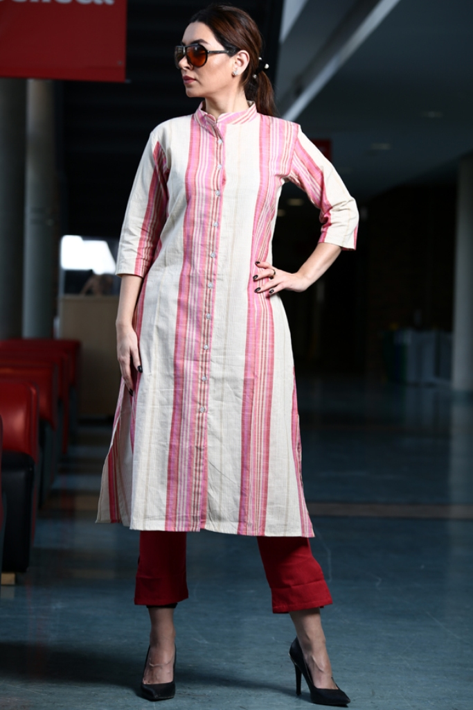 Simple And Elegant Kurta Set Is Here In Simple Colored Kurti Paired With Plazzo