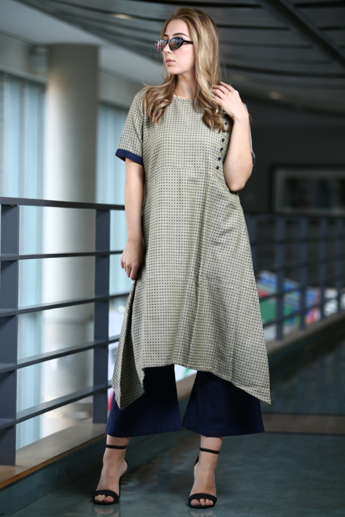 Grab This Readymade Pair Of Kurti With Bottom For Your Casual Or Semi-Casual Wear