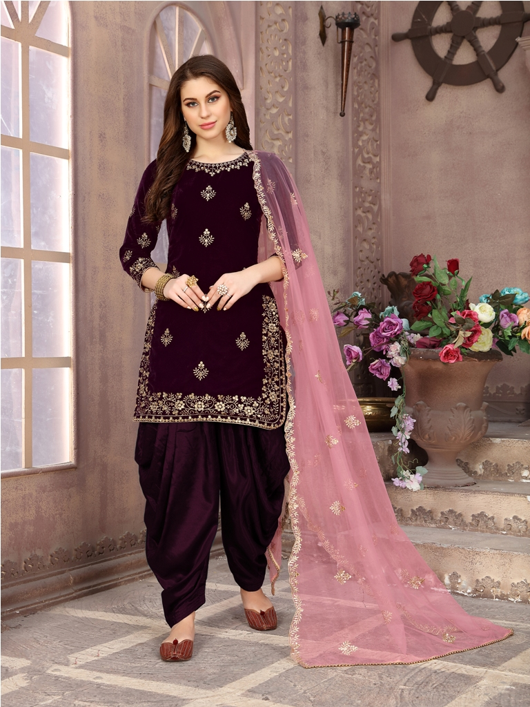 Grab This Beautiful Designer Patiala Suit